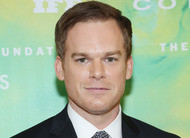 Michael C. Hall, o Dexter, entra no remake de Meu Amigo o Dragão [cinema]