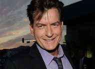 Fim de Two and a Half Men: Charlie Sheen chama Chuck Lorre de imaturo