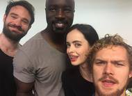 Defensores: heróis da Marvel/Netflix se encontram e tiram selfies na New York Comic-Con