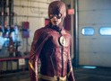 The Flash: iris, Cisco e novo uniforme de Barry nas fotos do episódio 4x02