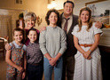 Young Sheldon estuda família durante Thanksgiving: trailer e fotos do episódio 2x09