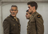 Catch-22: George Clooney, Hugh Laurie e mais nas primeiras fotos do drama militar